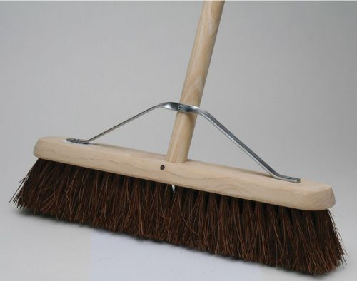 BASS YARD BROOM 18""